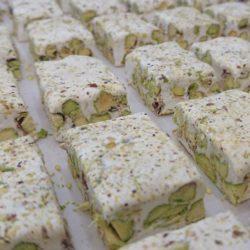 Nougats avec pistaches et poudre de pistache